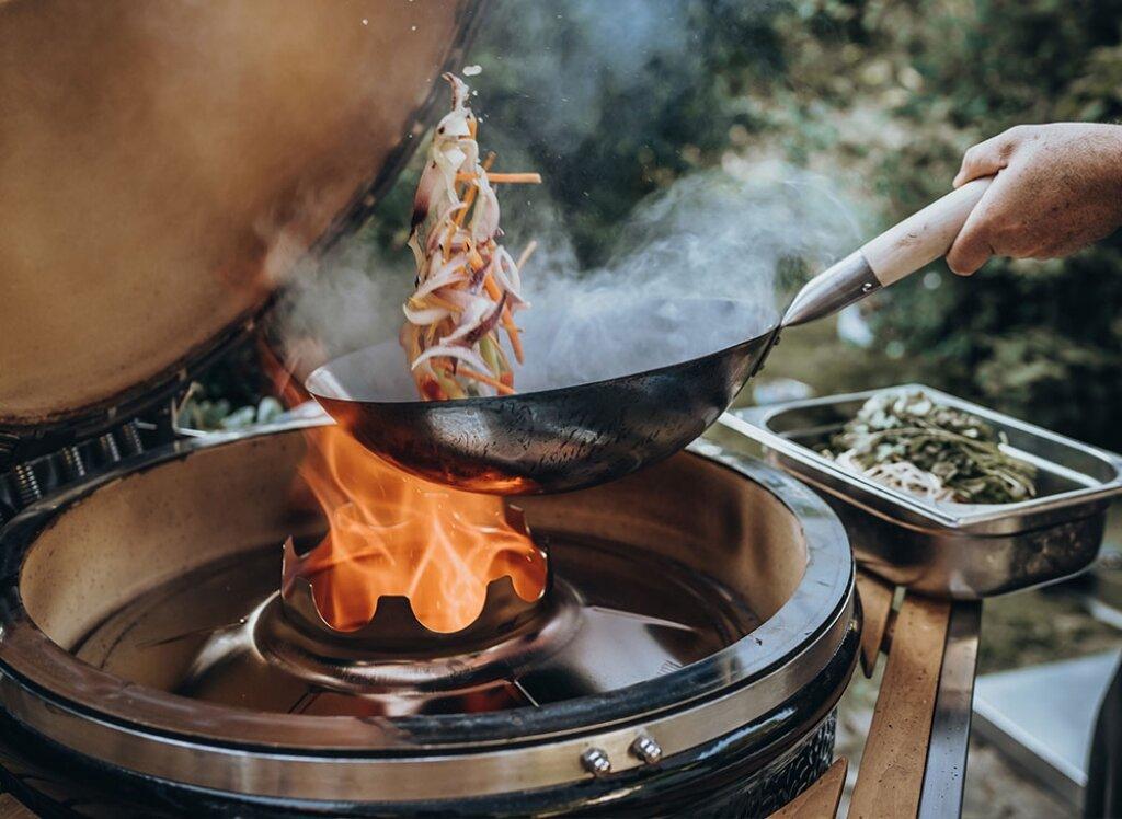 Керамический гриль Monolith Le Chef PRO-SERIES 1.0