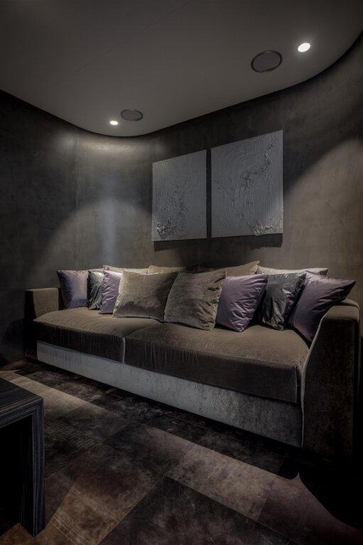 Шкіра для стін та підлоги COBRA TUNDRA – OFF BLACK